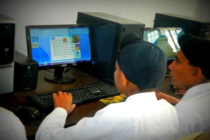 L S P Public School-Computer Lab