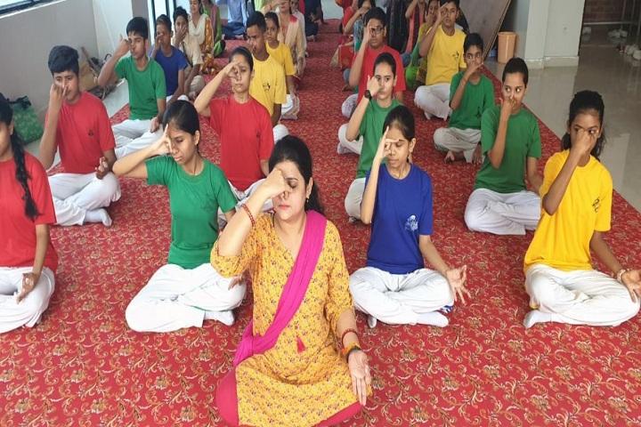 La Matina School-Yoga
