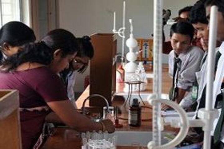 Lakshya Singapore International School-Chemistry Lab