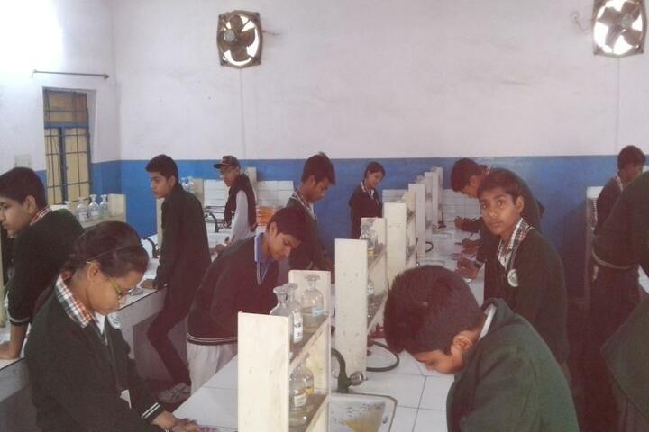 Lal Bahadur Shastri Sainik Secondary School-Lab