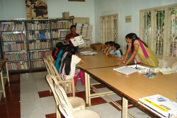 Dr KKR Gowtham English Medium School-Library 1