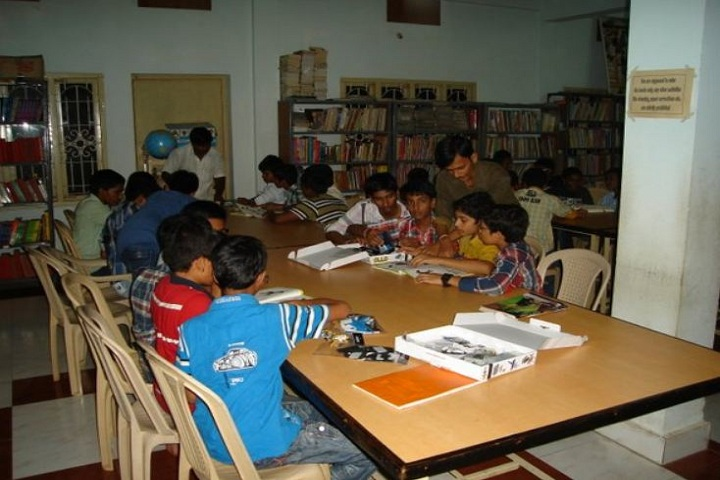 Dr KKR Gowtham English Medium School-Library