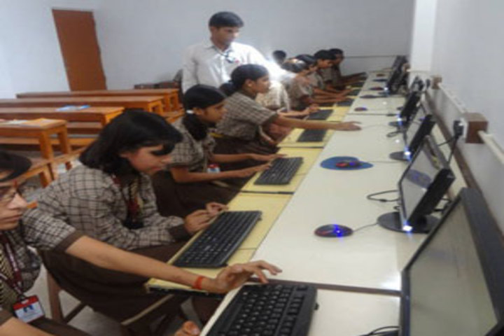 St Paul Public School-Computer-Lab1