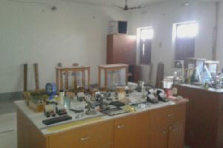 Subhash Chandra Bose Universal School-Physic-Lab
