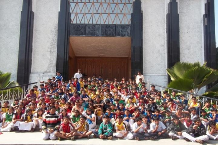 Dr K K R Gowtham International School-Tour