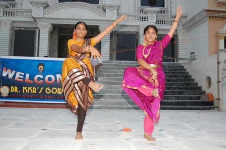 Dr K K R Gowtham International School-Dance
