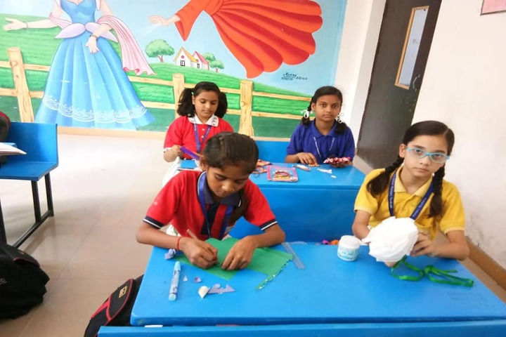 Maa Gayatri Memorial Kaushambi Presidency School-Art And Craft