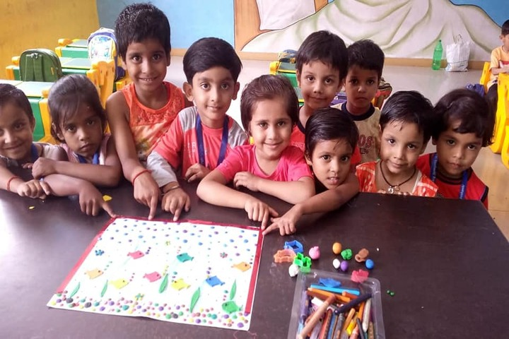 Maa Gayatri Memorial Kaushambi Presidency School-Classroom Activity