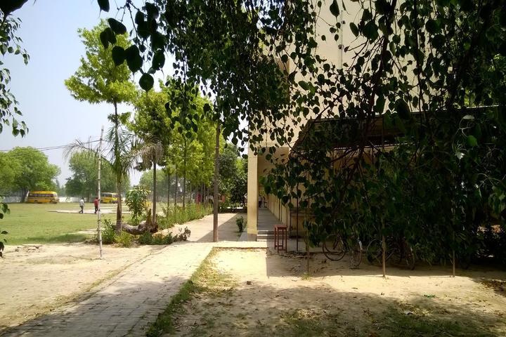 Maharishi Vidya Mandir-Parking