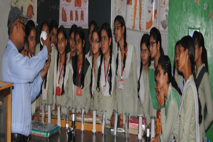 Mahaveeri Devi Public School-Science Lab