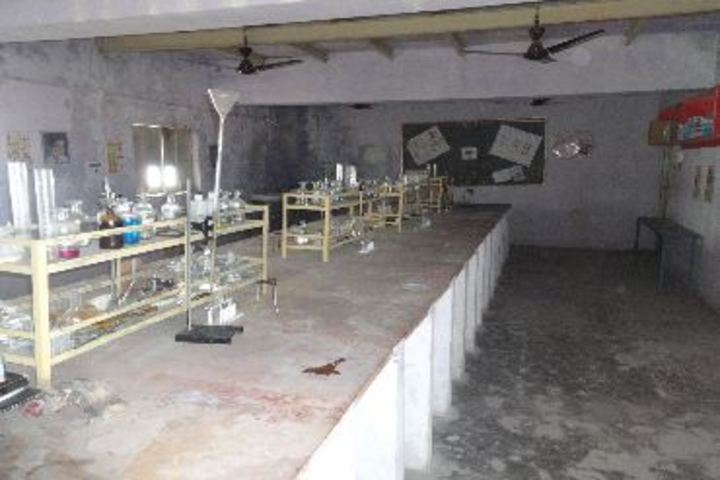 Mahtabrai UM Vidyalaya-Chemistry lab