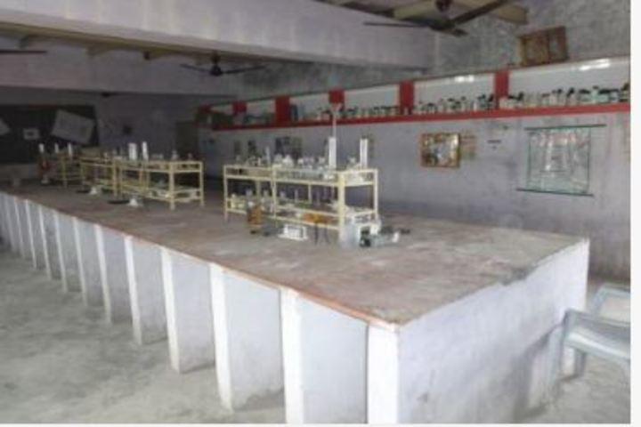 Mahtabrai UM Vidyalaya-Science lab