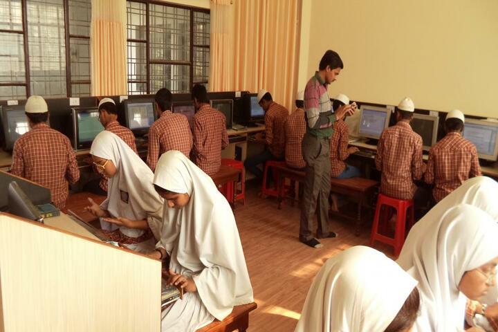 Manarul Uloom Public School-Computer Lab