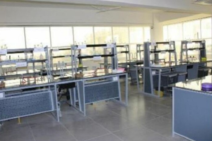 Manav Rachna International School-Chemistry lab