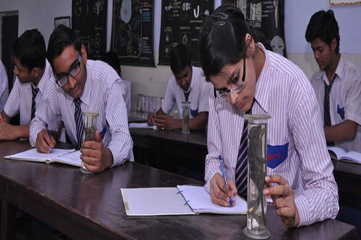 Mantora Public School-Science lab