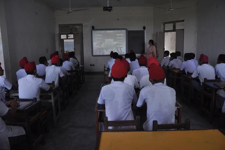 Marwah Modern School-Smart Classroom