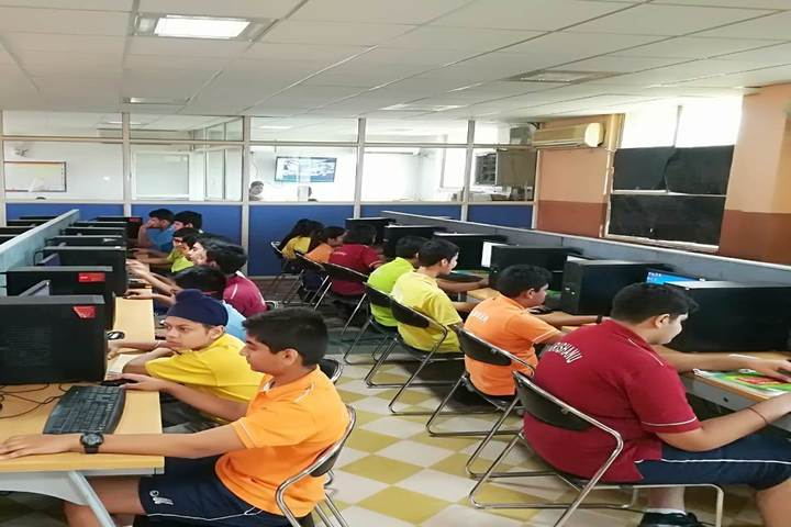 Mayoor School-Computer lab