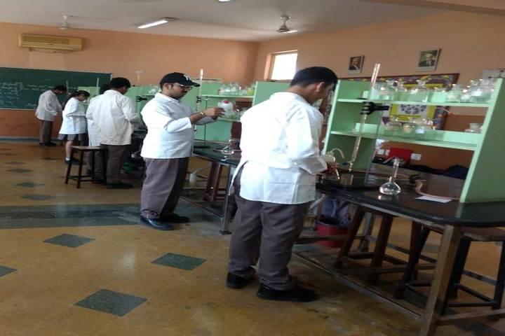 Mayoor School-Science lab