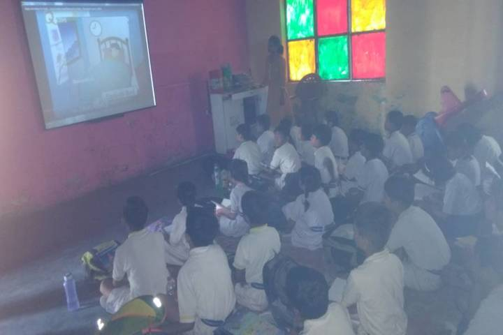 Modern National Public School-Smart Classroom