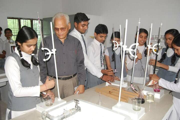 Moolchand Academy-lab