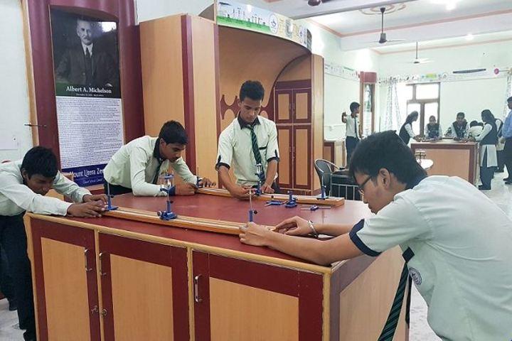 Mount Litera Zee School-Physics Lab