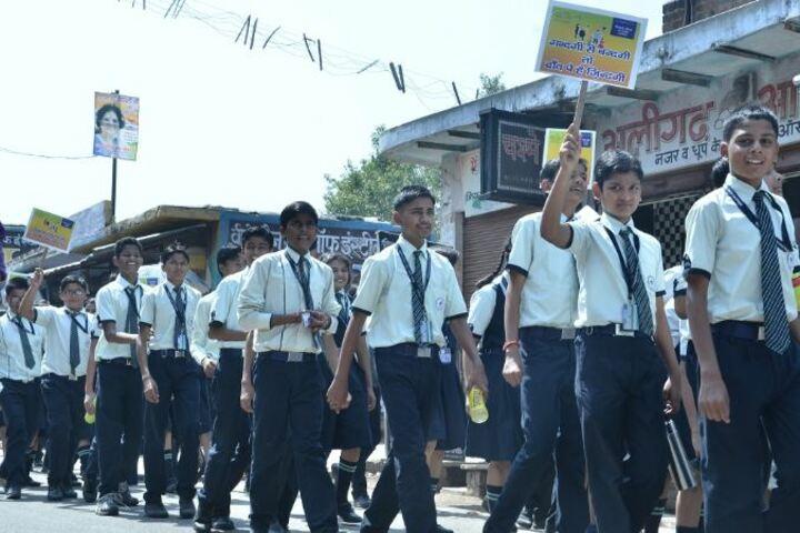 Mount Litera Zee School-Clean India Drive