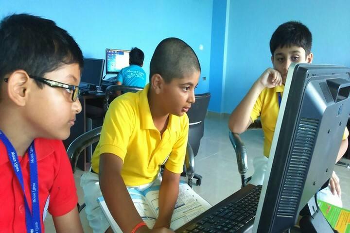 Mount Litera Zee School - Computer lab