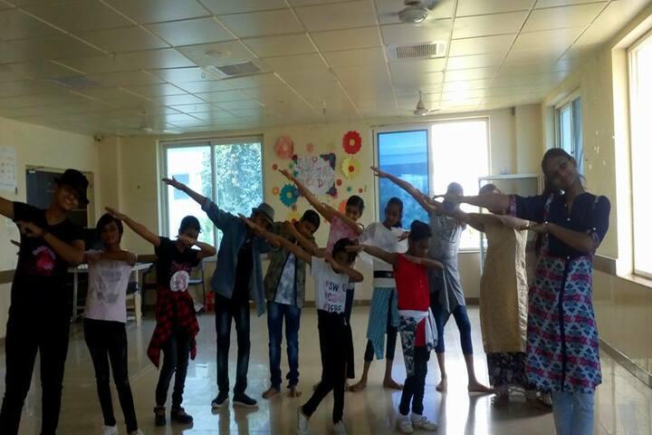 Mount Litera Zee School - Dance