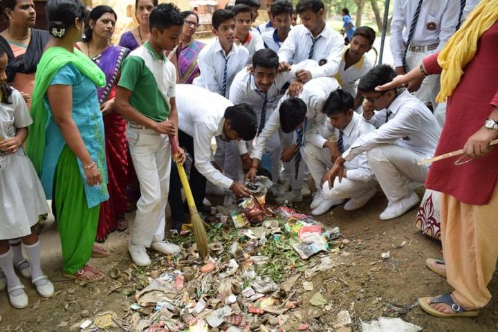 Munshi Ramanand Singh School - Swachh Bharath