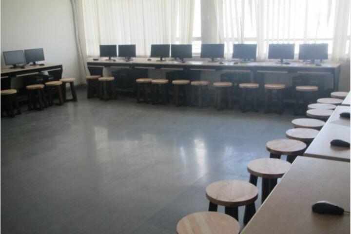 The Tribhuvan School-Computer Lab