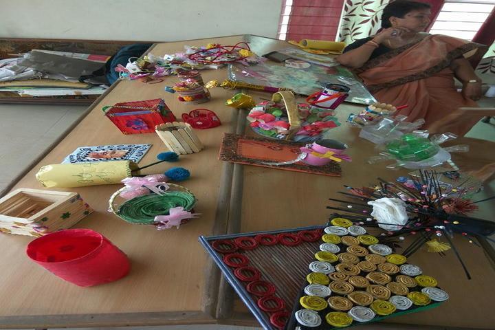 Narayan Savitri Public School-Art