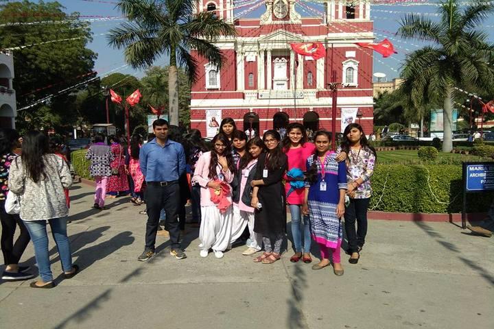 Narayan Savitri Public School-Excursion