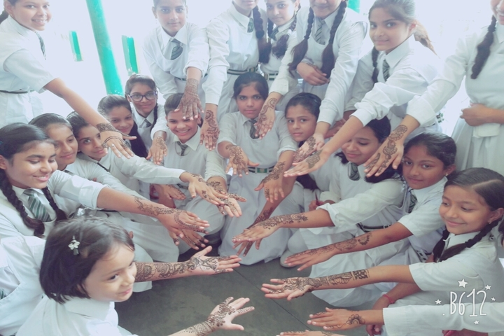 National Public School-Mehandi Competition