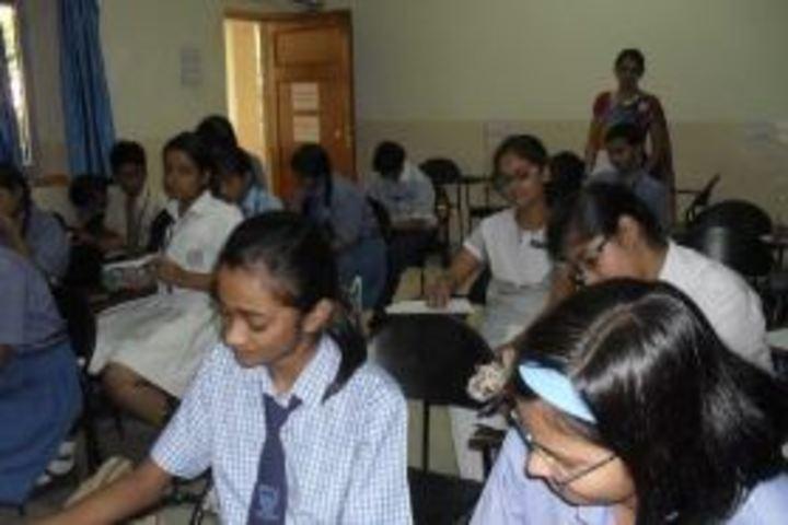 Navayuga Radiance School-Class room