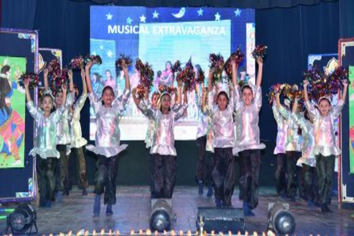 Navayuga Radiance School-Dance
