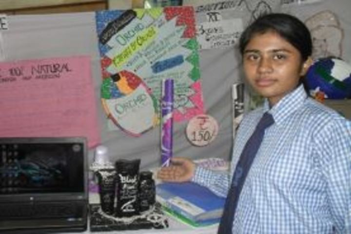 Navayuga Radiance School-Science Exhibition