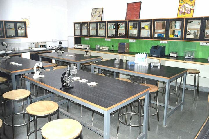 Nehru World School-Biotechnology Lab