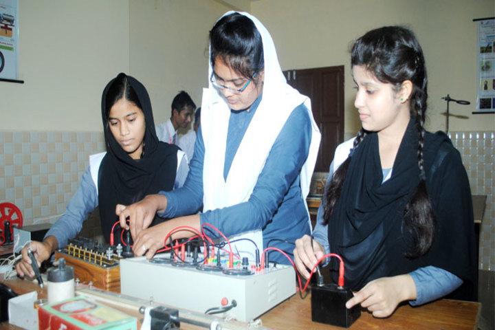 New Cambridge Senior Secondary School-Physics Lab
