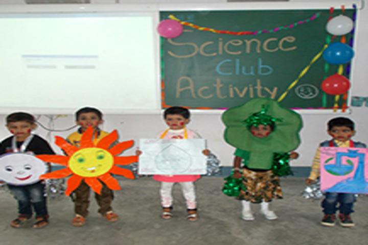 R S J  Public School-Science Club Activity