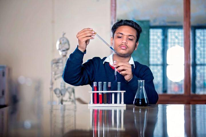 Vatayan School-Chemistry Lab