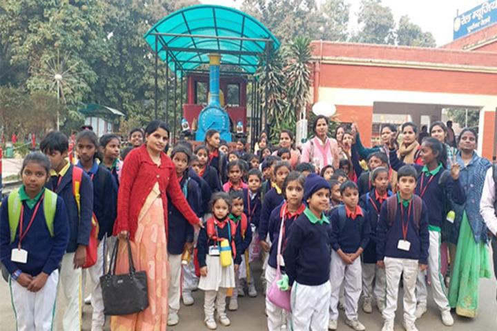 Nidhi Ideal School-Excursion
