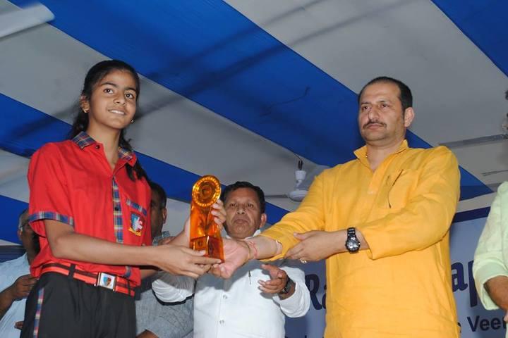 Veen Vidya Niketan-Annual Prize Distribution