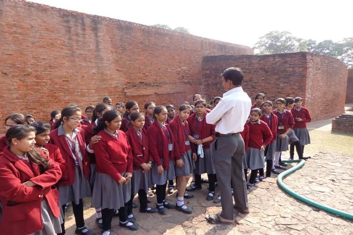 Vidya Niketan Girl High School-Educational Tour