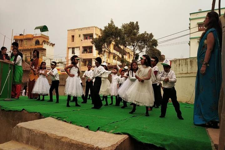 Vidya Sanskar School-Dancing Activity