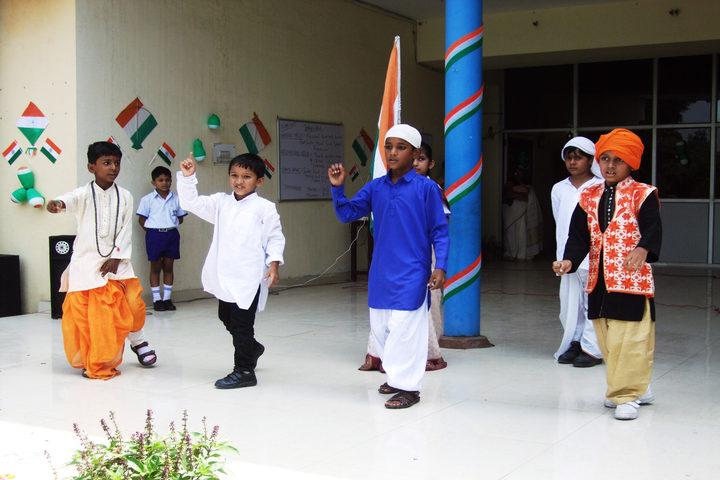 Padamshree N N Mohan Public School-Independence Day