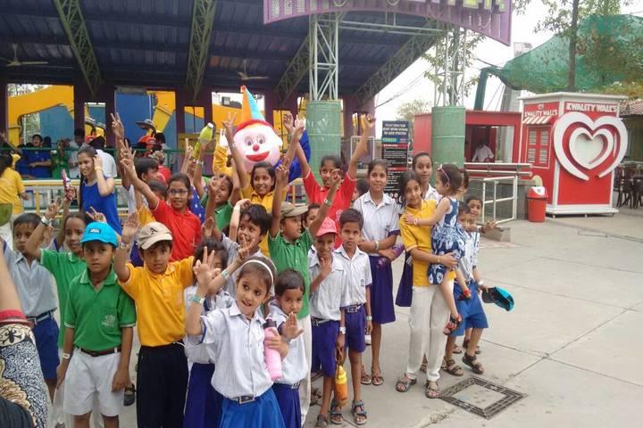 Padamshree N N Mohan Public School-School Excursion