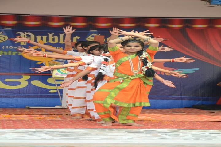 Parvez Khan Sajida Public School - Traditional dance