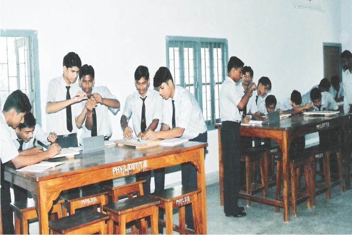 Vidya Vihar Residential School-Physics Lab