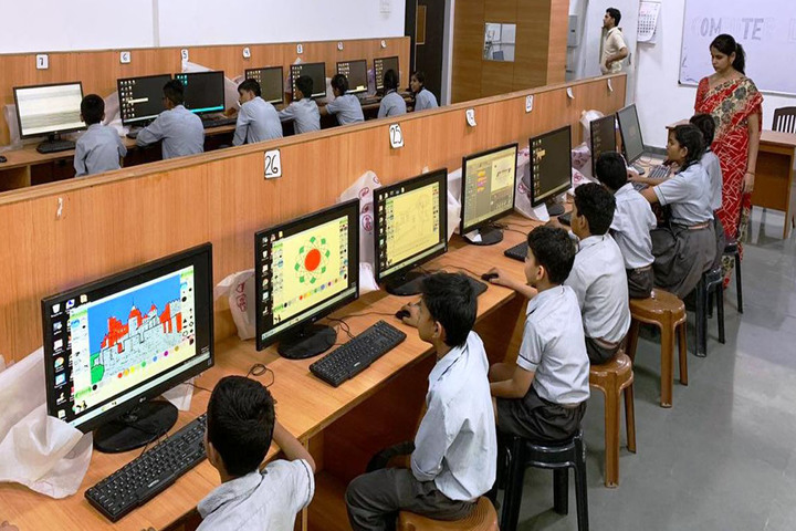 Pioneer Montessori Inter College-Computer Lab