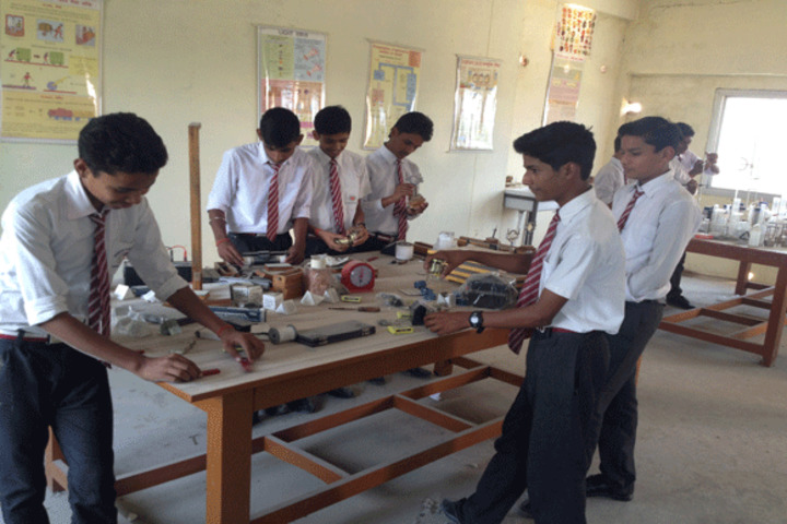 Prakash Global School-Physics Lab